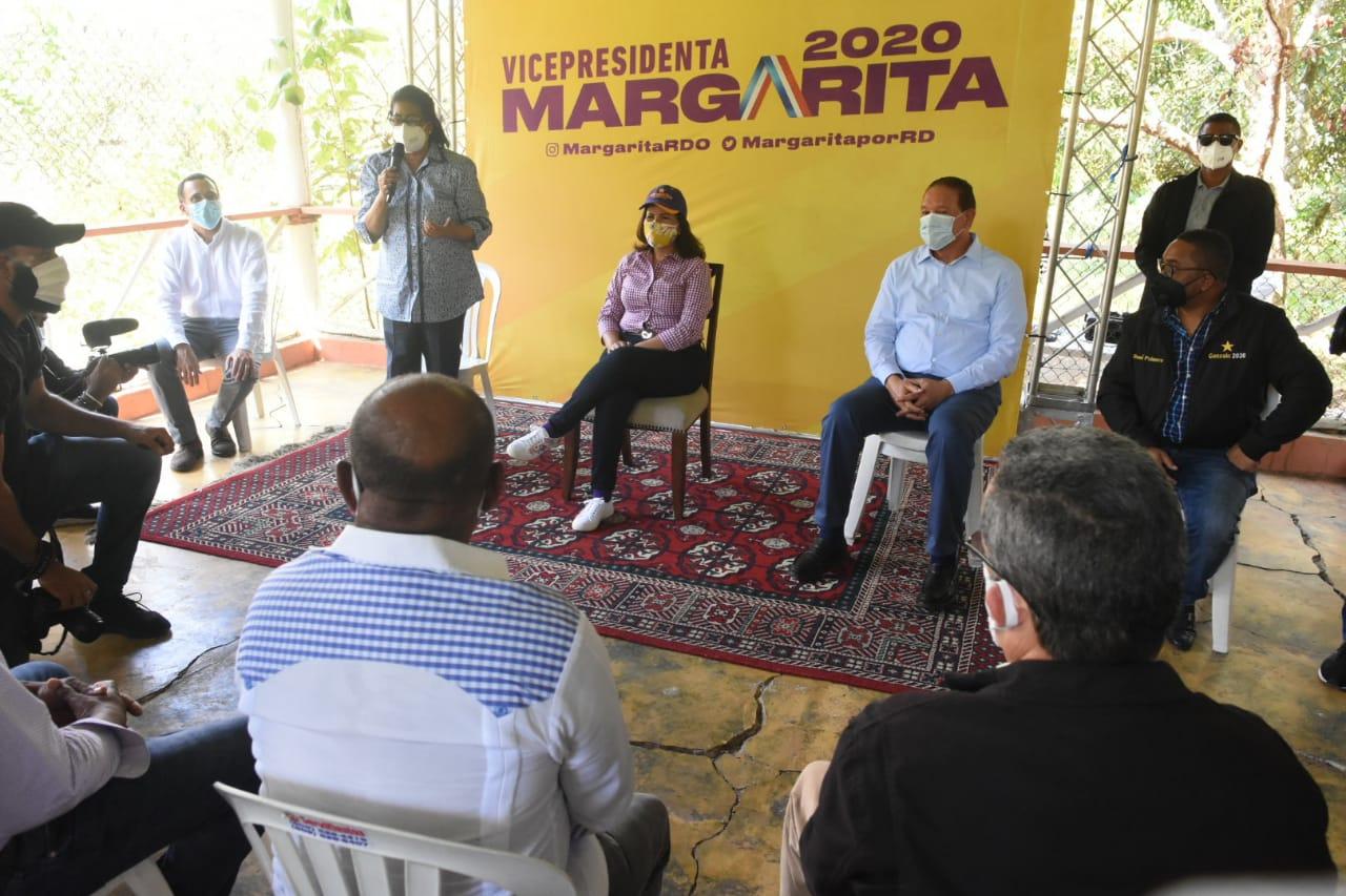 Margarita Cedeño inicia campaña con el apoyo comunidad de La Victoria; pone en marcha proyecto para la juventud