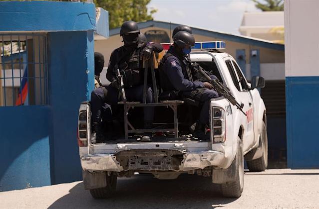 EEUU envía misión a Haití para hablar con 3 políticos que disputan el poder