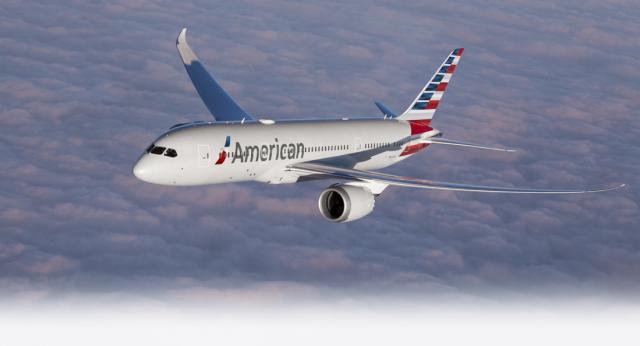 American Airlines no servirá bebidas alcohólicas en sus vuelos hasta 2022